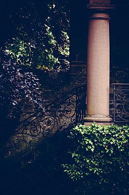 Column - p1088m907748 by Martin Benner
