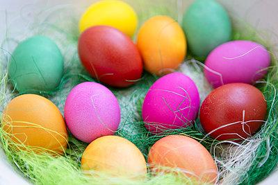 Coloured eggs - p454m2249850 by Lubitz + Dorner