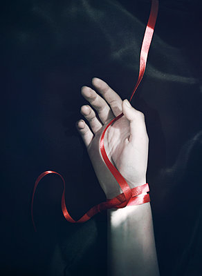 Red Ribbon - p984m1185214 by Mark Owen