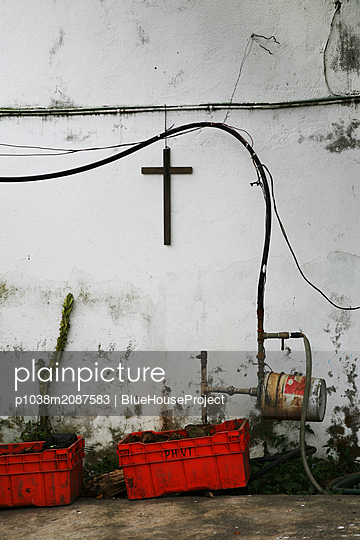 Crucifix on the wall - p1038m2087583 by BlueHouseProject