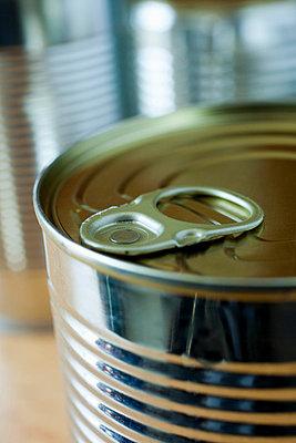 Closeup on tin can - p4266823f by Tuomas Marttila