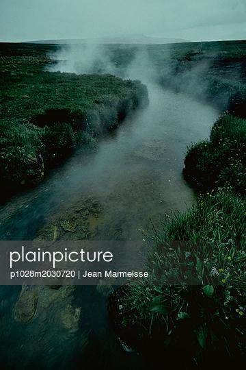 Hot river, Iceland - p1028m2030720 von Jean Marmeisse
