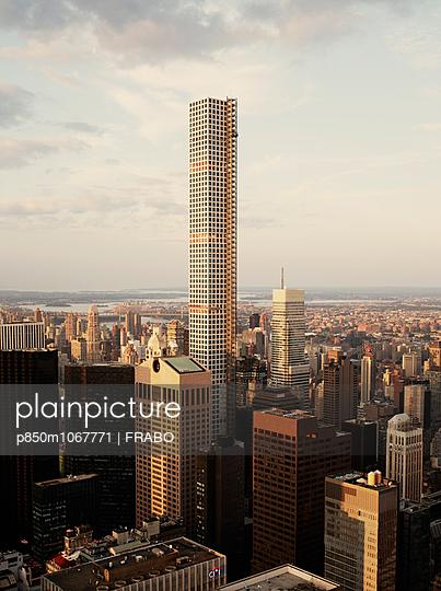 Manhattan - p850m1067771 by FRABO