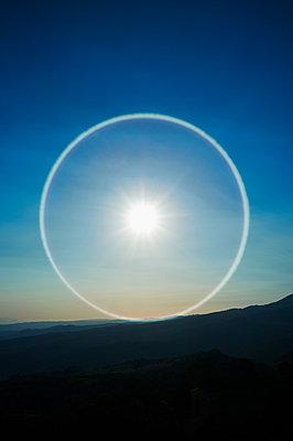 Sun corona - p1661m2245422 by Emmanuel Pineau
