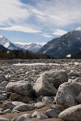 Trockenes Flußbett - p260m900882 von Frank Dan Hofacker