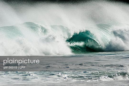 Waves - p9130015 by LPF