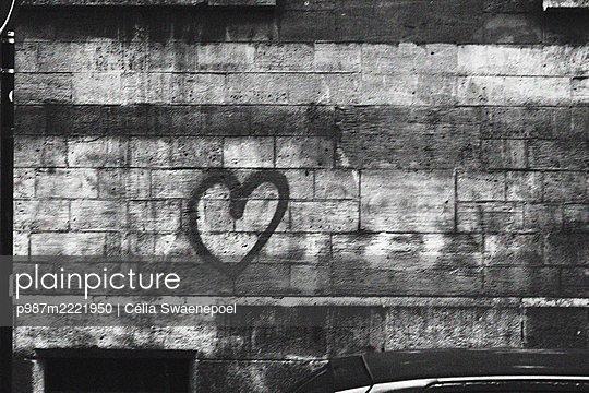Love in Paris - p987m2221950 by Célia Swaenepoel