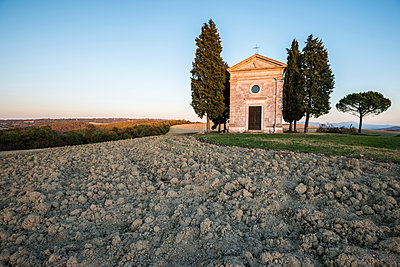 Italy, Tuscany, San Quirico D'orcia, Chapel at dusk - p1427m1517368 by Sergey Orlov