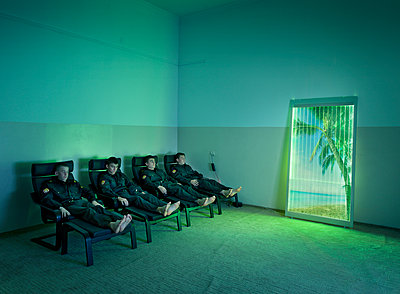 Police cadets during audio visual therapy - p390m1092814 by Frank Herfort