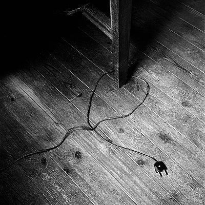 Cable - p1661m2245394 by Emmanuel Pineau