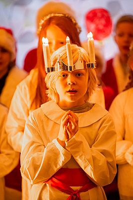 Little boy during Saint Lucy celebration December 13 - p1418m2142950 by Jan Håkan Dahlström