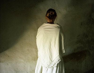 Lonely woman - p945m831201 by aurelia frey