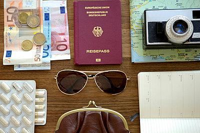 Reiseutensilien - p4902875 von Yo