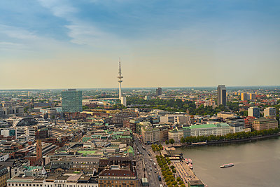 View of Hamburg center with the Binnenalster  - p1332m2203301 by Tamboly