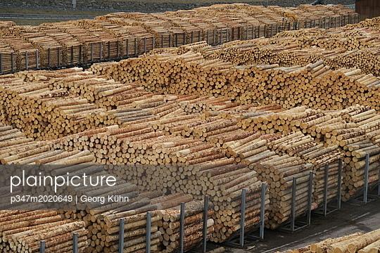 Holzindustrie - p347m2020649 von Georg Kühn