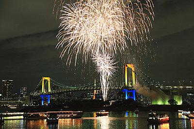 Fireworks in Odaiba bay, Tokyo, Japan - p307m1036204f by Rodrigo Reyes Marin
