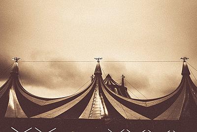 Modern circus tent in vintage - p1085m987275 by David Carreno Hansen
