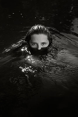 Face in Water - p1503m2031862 by Deb Schwedhelm