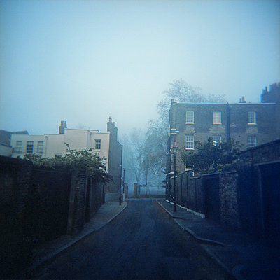 Foggy Victorian street  - p1072m829303 by Neville Mountford-Hoare