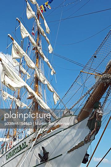Segelschulschiff Cuauhtemoc - p338m1154843 von Marion Beckhäuser