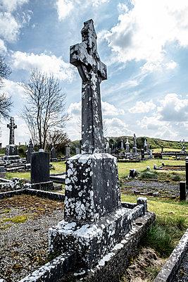 Friedhof in Galway - p1082m2087556 von Daniel Allan