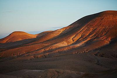 Wüstenlandschaft - p887m1124820 von Christian Kuhn