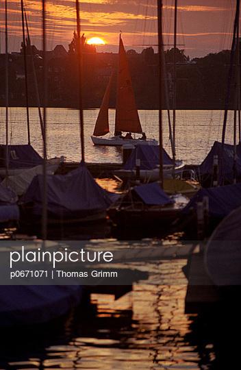 Aquatic Sport - p0671071 by Thomas Grimm