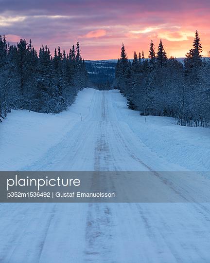 p352m1536492 von Gustaf Emanuelsson
