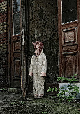 Child wearing wolf mask - p1190m1193668 by Sarah Eick
