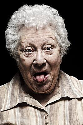 Elderly woman - p896m835290 by Rutger van der Bent