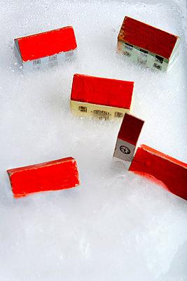 Eingefrorenes Dorf - p451m1491987 von Anja Weber-Decker