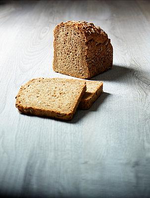 Brot und zwei Scheiben - p897m887628 von MICK
