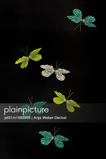 Papierschmetterlinge - p451m1582559 von Anja Weber-Decker