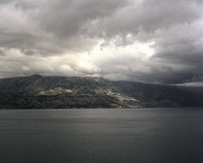 Küstenlandschaft in Kroatien - p1409m1466477 von margaret dearing