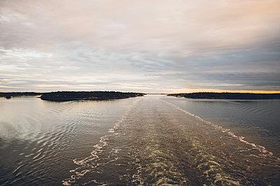 Ferry - p1507m2099985 by Emma Grann