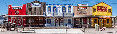 Seligman ghost town - p1691m2288614 by Roberto Berdini Bokeh