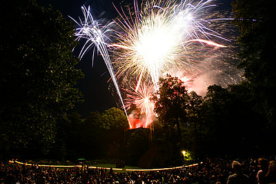 Feuerwerk im Schlosspark Ludwigsburg - p2800365 von victor s. brigola