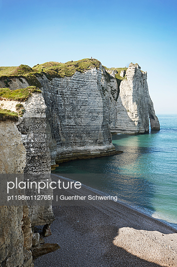 Etretat - p1198m1127651 by Guenther Schwering
