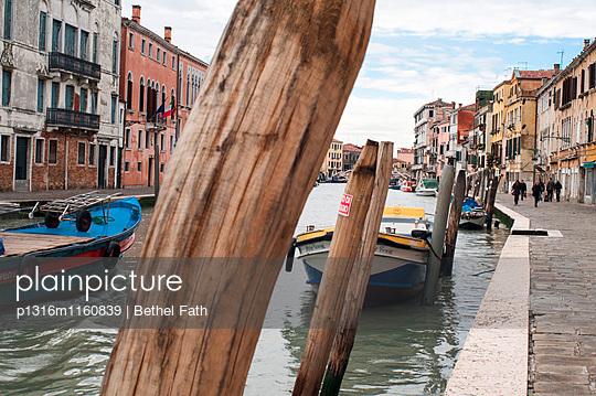 Kanal, Venedig, Venetien, Italien - p1316m1160839 von Bethel Fath