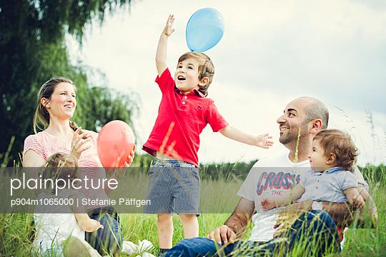 Familienausflug - p904m1065000 von Stefanie Päffgen