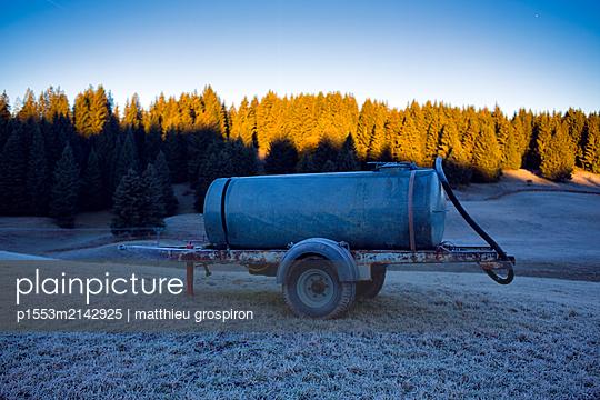 Tankwagen - p1553m2142925 von matthieu grospiron