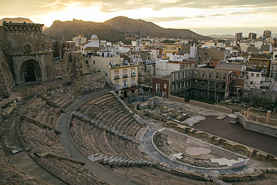 Spain, Murcia, Roman amphitheater in Cartagena - p300m1129924f von Andrés Benitez