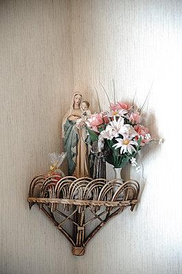 Mutter Gottes - p422m1072238 von Buero Monaco