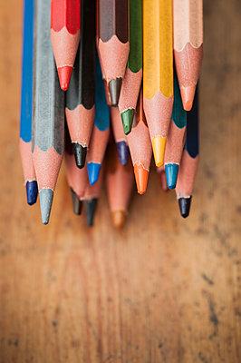 Colour pencils - p971m1463564 by Reilika Landen