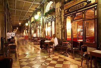 Caffe Florian - p1294m2173484 by Sabine Bungert