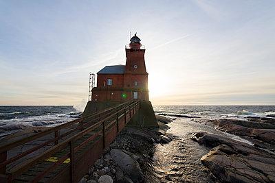 Kallbådan lighthouse - p322m1040891 by Simo Vunneli