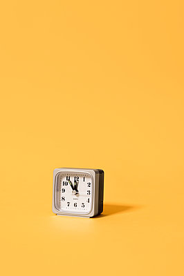 Five minutes to twelve - p947m2172200 by Cristopher Civitillo