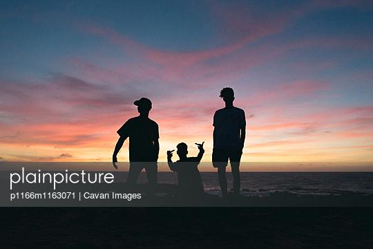 p1166m1163071 von Cavan Images