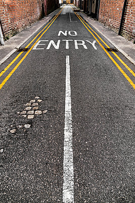 No entry sign - p1280m1574459 by Dave Wall