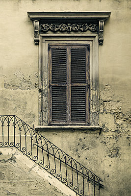 Typical historic Maltese Building - p1280m2145272 by Dave Wall